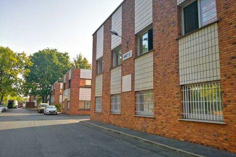 Bureaux à louer proche accès routiers - 215 m² non divisibles 240000 91000 Evry
