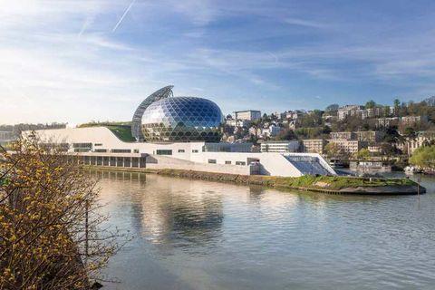 Locaux commerciaux - A LOUER - 275 m² non divisibles 16668 92100 Boulogne billancourt