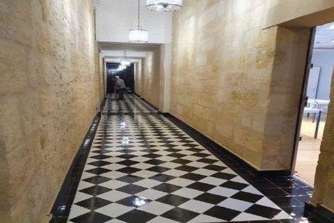 Bureaux - A LOUER - 105 m² non divisibles 3000 33000 Bordeaux
