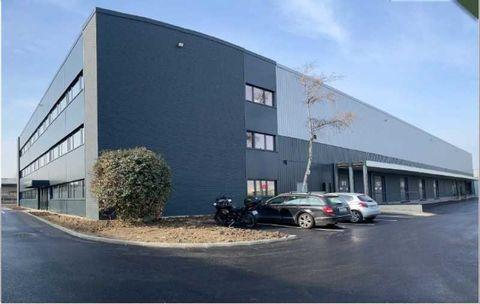 Entrepôts - A LOUER - 6709 m² non divisibles 74940 93000 Bobigny