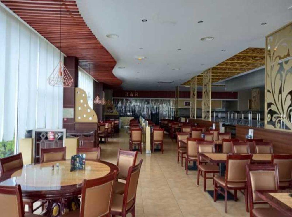 Locaux commerciaux - CESSION DE FONDS - 800 m² non divisibles