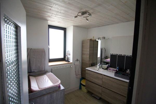Arobase immo maison 5 pi ce s 150 m manglieu 63 for Suite parentale traversante