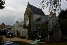 Dans charmant village, ancien couvent restauré comprenant au rdc, entrée, cuisine, S/séjour, sdb, wc. Au 1er étage, 2 chbs et 3 190500 Richelieu (37120)