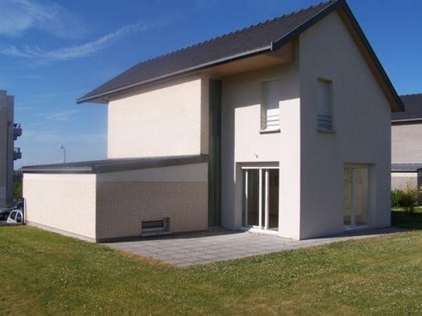 Annonce location maison amiens 80000 105 m 1 100 for Pavillon de jardin moderne