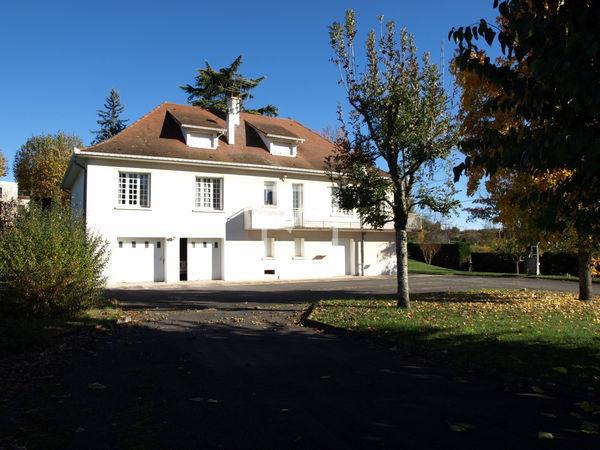 Annonce vente maison gourdon 46300 263 m 299 000 for Maison avec 5 chambres
