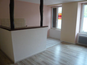 L 39 in immobilier agence immobili re tupes 25460 for Ca location immobilier