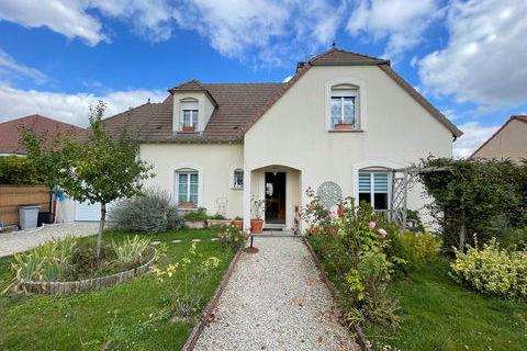 Maison Saint-Lyé (10180)