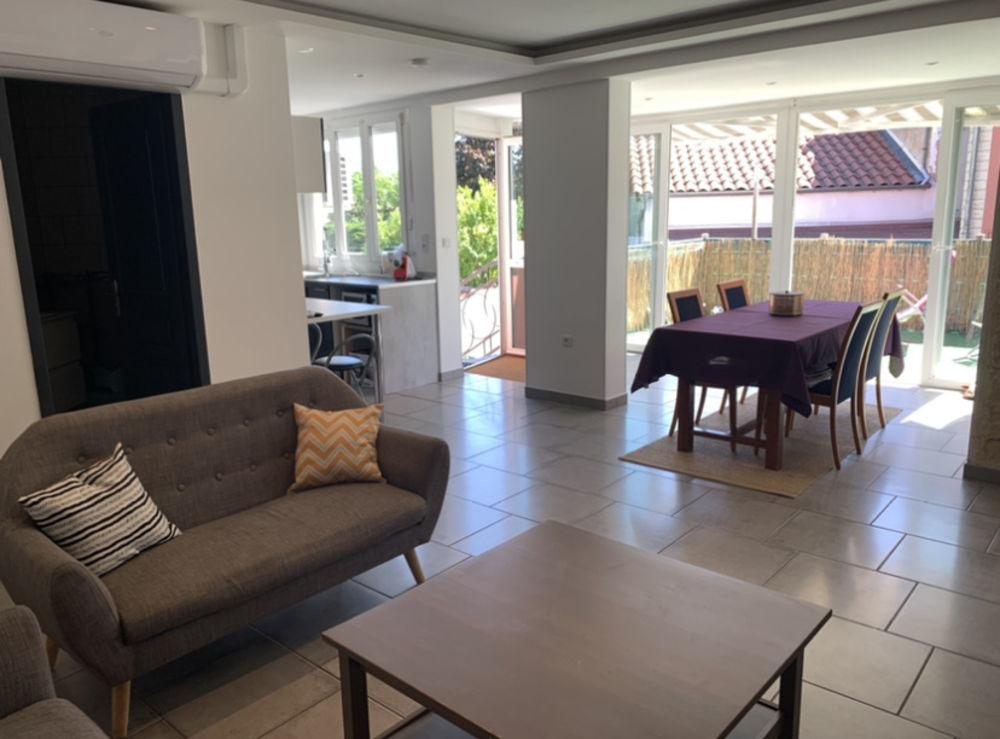 Vente Maison Maison de 104 m2 avec cour de 80 m2 Feyzin