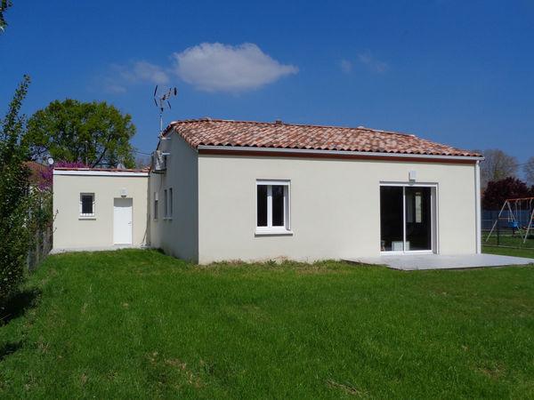 Annonce vente maison lafox 47240 90 m 165 000 for Jardin villa contemporaine