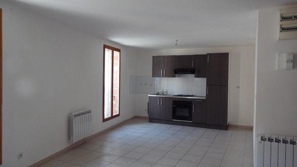 Location Appartement sur Beziers  LOUE T3 1er étage  à Beziers