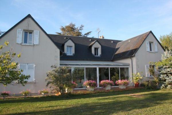 Annonce vente maison chinon 37500 250 m 348 000 for Maison tres moderne