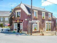 Licence IV et murs à vendre! Bar restaurant et Hébergement ci-dessus, appartement et maison à rénover. 99000