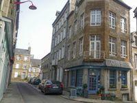 Salon de Thé et logement situé dans la ville de La Ferté Macé proche de Bagnoles de l'Orne 130800