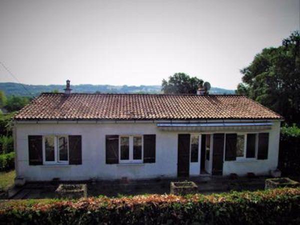 Annonce vente maison queaux 86150 91 m 77 000 for Jardin 700m2