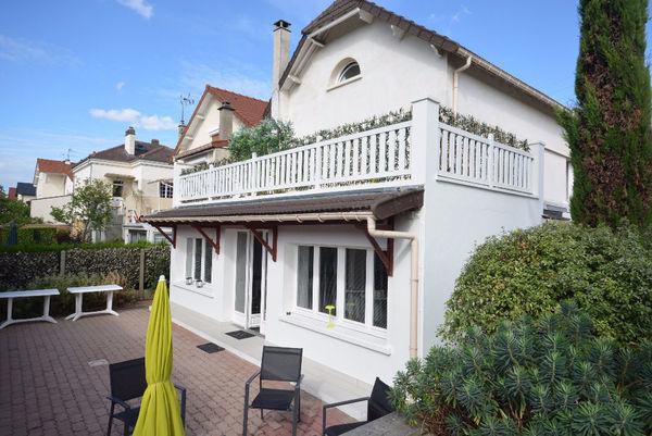 Annonce vente maison rueil malmaison 92500 170 m 1 for Maison de l europe rueil