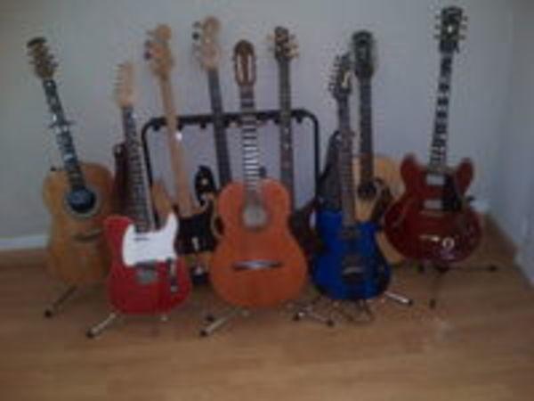 Cours de guitare , piano , basse (01) - 0 €
