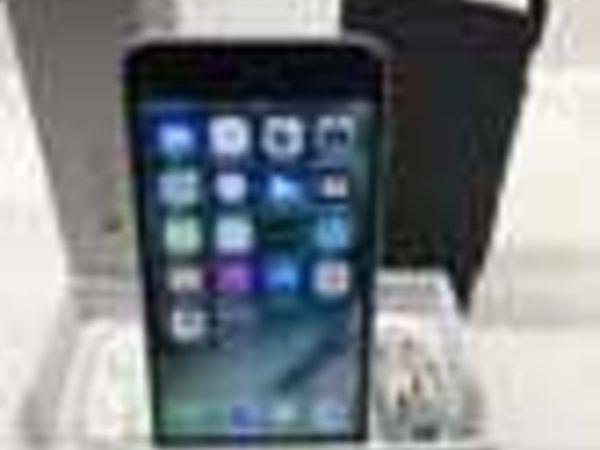Iphone 6S PLUS Argent/Noir 64 Go Comme neuf (83) - 500 €