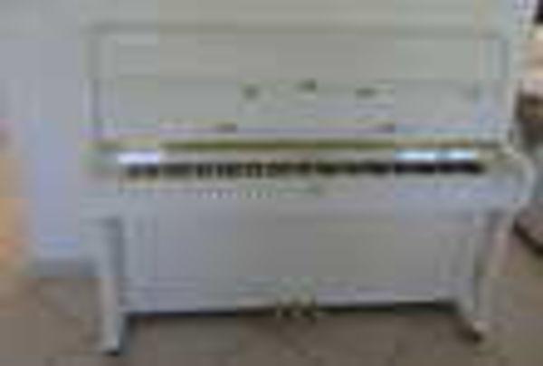 Piano blanc d'étude, de marque HEILMANN (45) - 1 200 €