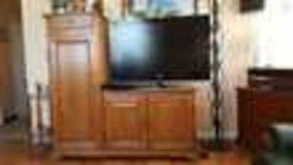 Meuble TV/HIFI 100 % chêne massif (69) - 449 €