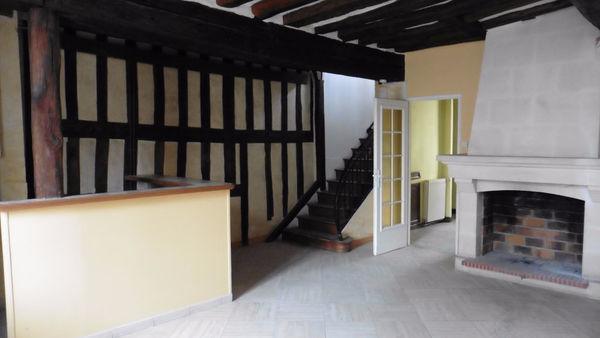Maison - 5 pièce(s) - 95 m² 960 Cr�py-en-Valois (60800)