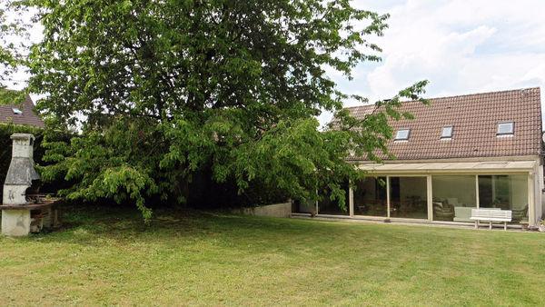 Maison - 6 pièce(s) - 160 m² 310000 Cr�py-en-Valois (60800)