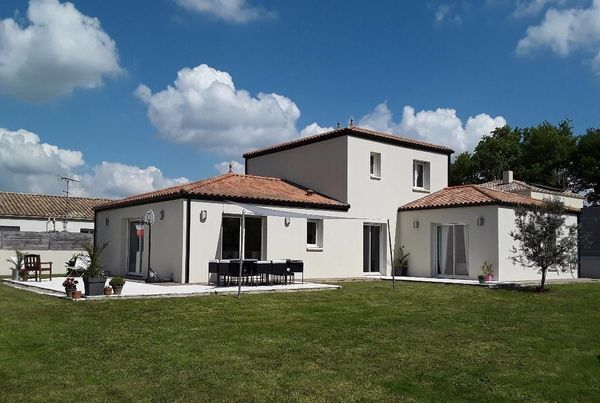 L 39 immobiliere 2000 agence immobili re aizenay 85190 for Agence immobiliere 85