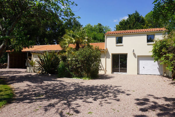Label immo 85 agence immobili re la roche sur yon 85000 for Agence immobiliere 85