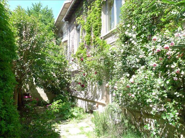 Immeuble - 5 pièce(s) - 280 m² 594000 Avignon (84000)