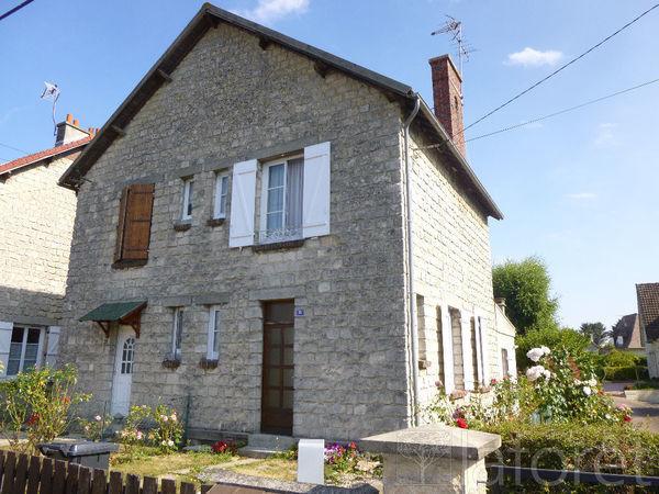 Maison - 4 pièce(s) - 82 m² 189000 Cr�py-en-Valois (60800)