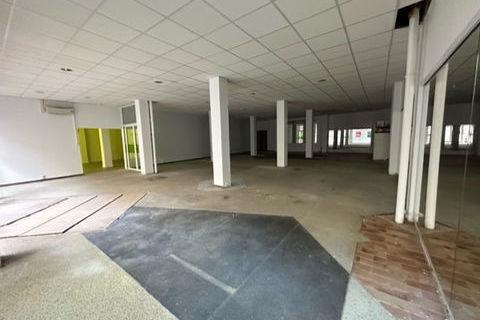 LOCAL COMMERCIAL DE 336 m² m² de 238480 71100 Chalon sur saone