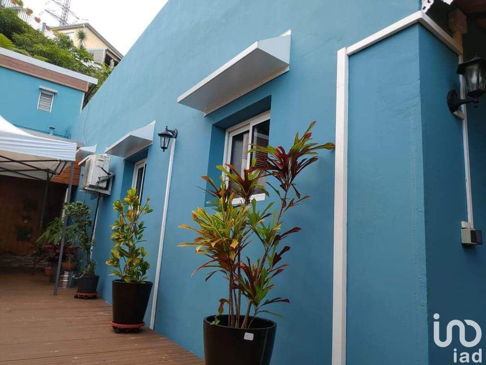 Maison - 7 pièce(s) - 180 m² 272500 L' Étang-Salé (97427)