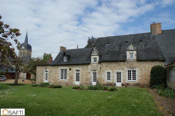 Maison - 9 pièce(s) - 220 m² 299000 Ch�teau-Gontier (53200)