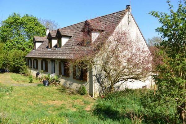 Maison - 15 + pièce(s) - 230 m² 349000 Cr�py-en-Valois (60800)