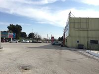 Local commercial 380 m² avec grand parking situation premier ordre 5425