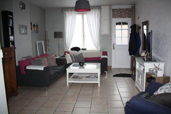 annonce vente maison h nin beaumont 62110 115 m 124 000 992738416738. Black Bedroom Furniture Sets. Home Design Ideas