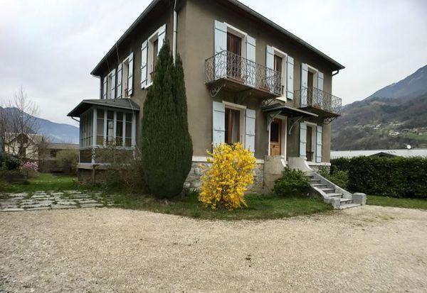 Annonce vente maison aigueblanche 73260 180 m 426 for Aigueblanche piscine
