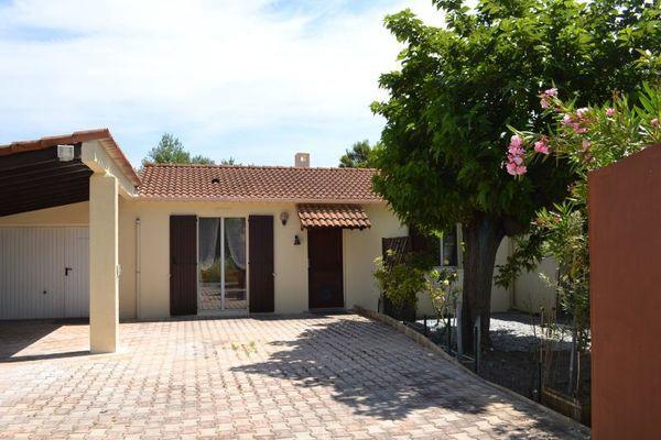 Annonce vente maison le thor 84250 50 m 169 000 for Garage le thor