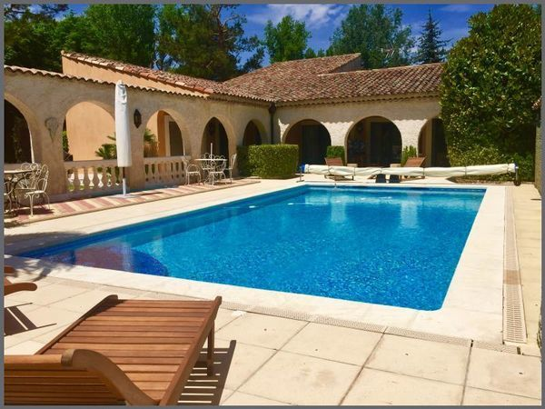 Annonce vente maison fuveau 13710 230 m 635 000 for Piscine fuveau