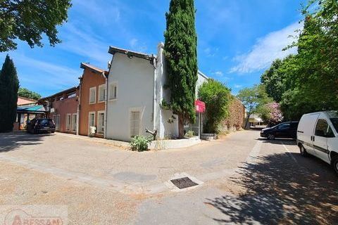 Local commercial 463000 30900 Nimes