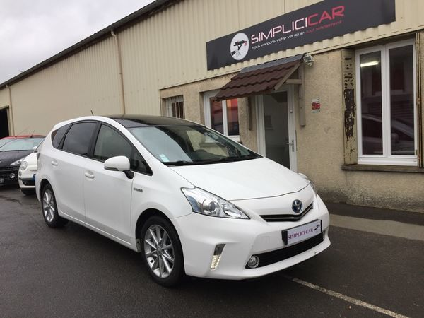 voiture toyota prius 136h dynamic occasion hybride 2012 81700 km 18490 lagny sur. Black Bedroom Furniture Sets. Home Design Ideas
