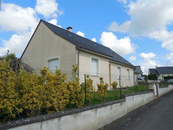 Maison - 6 pièce(s) - 123 m² 198000 Ch�teau-Gontier (53200)