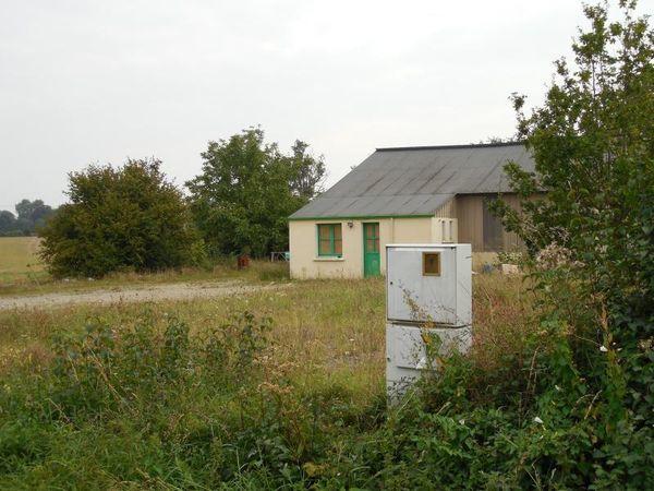 Terrain - 2 pièce(s) - 1600 m² 78000 Ch�teau-Gontier (53200)