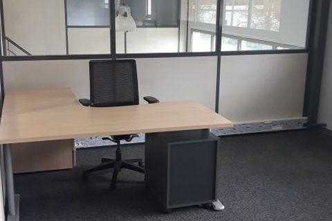 Bureaux Vide 150 m² 1290 31850 MontrabÉ
