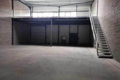 Local d'activité 335 m² 391000 31600 Muret