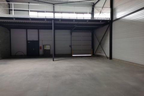 Local d'activité 305 m² 358000 31600 Muret