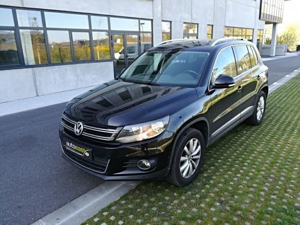 voiture volkswagen tiguan 2 0 tdi 140 sportline tiptronic occasion diesel 2014 115000 km. Black Bedroom Furniture Sets. Home Design Ideas
