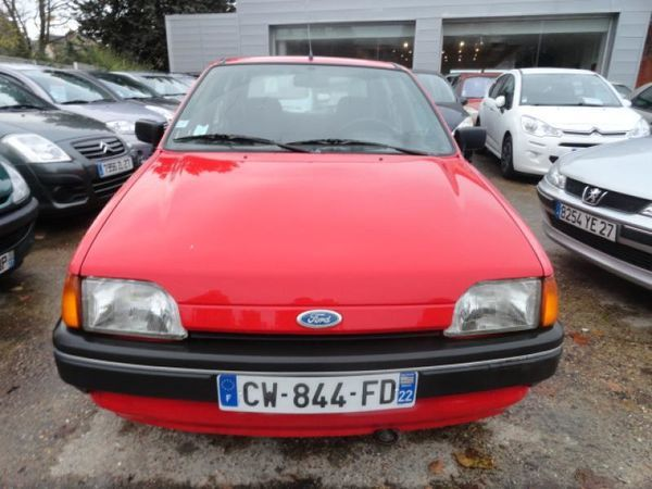 voiture ford fiesta 1 3l ess 60ch clx occasion essence 1992 181395 km 1290 vreux. Black Bedroom Furniture Sets. Home Design Ideas