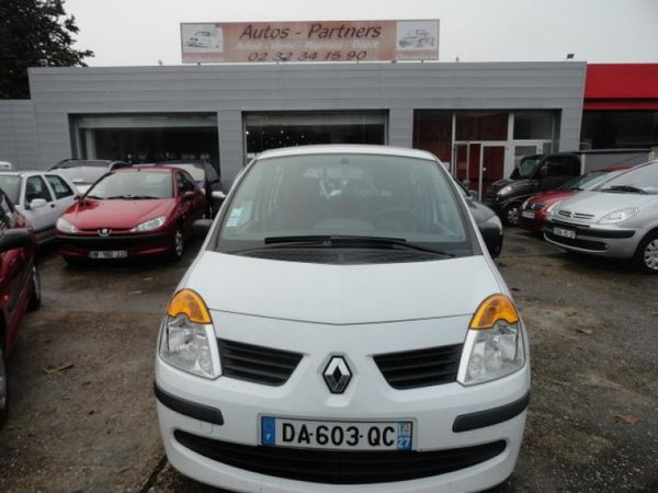 voiture renault modus 1 5 dci 80ch expression occasion diesel 2005 223000 km 3290. Black Bedroom Furniture Sets. Home Design Ideas