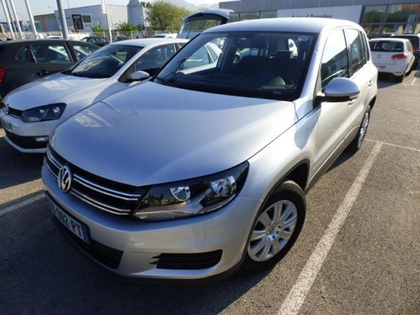 voiture volkswagen tiguan 2 2 0 tdi 140 bluemotion. Black Bedroom Furniture Sets. Home Design Ideas