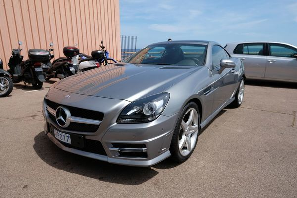 voiture mercedes slk 200 amg occasion essence 2015 870 km 39990 nice alpes. Black Bedroom Furniture Sets. Home Design Ideas
